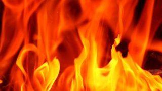 燃えさかる炎の小さい画像