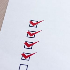 白い紙のリストの小さい画像